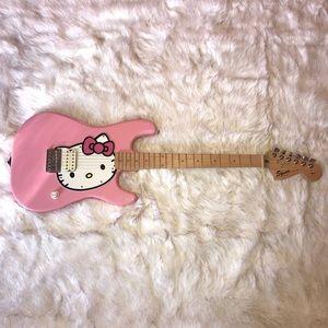 2006 Squier Pink Hello Kitty Fender ElectricGuitar